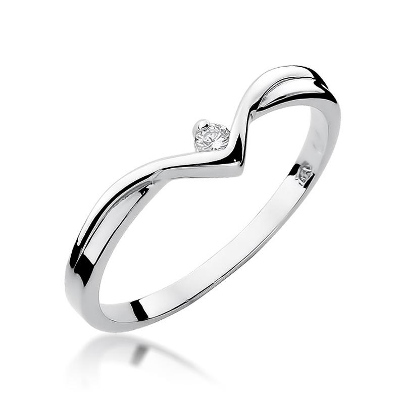 Pierścionek z białego złota z brylantem na zaręczyny