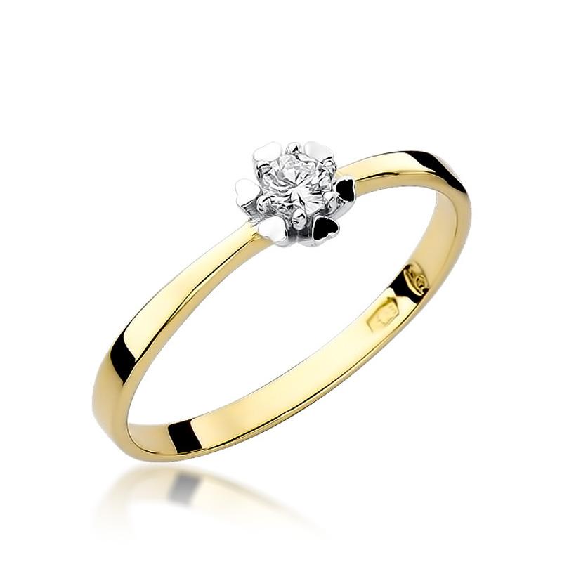 Delikatny pierścionek ze złota pr.0,585 z brylantem na zaręczyny