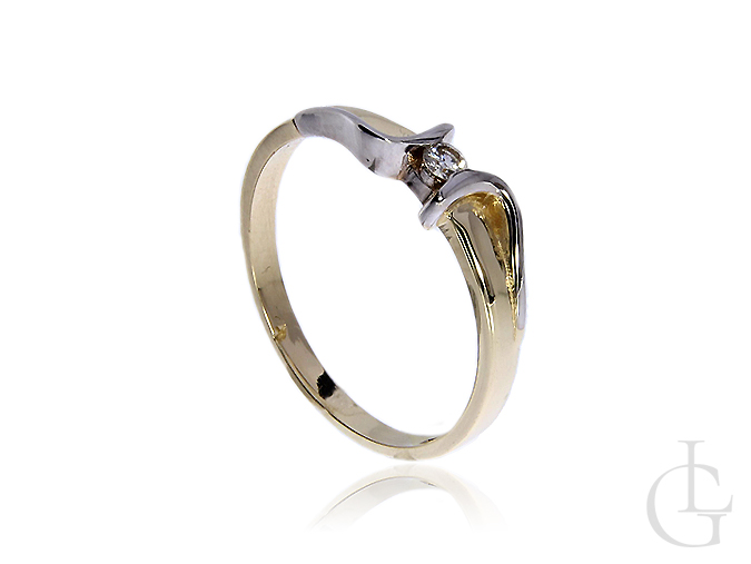Prześliczny i delikatny pierścionek zaręczynowy z 14 k złota z brylantem