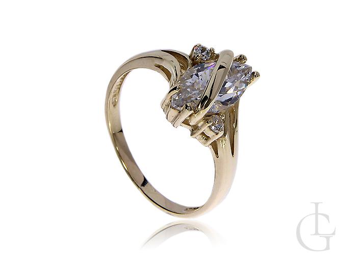 Efektowny pierścionek ze złota pr.0,585 na zaręczyny z cyrkoniami