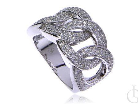 Ciekawie pleciony pierścionek ze srebra rodowanego pr.0,925 z cyrkoniami