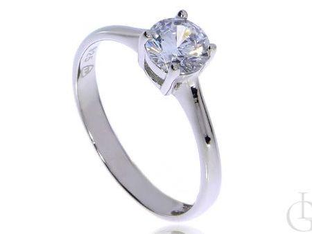 Klasyczny pierścionek ze srebra rodowaegopr.0,925 z cyrkonią