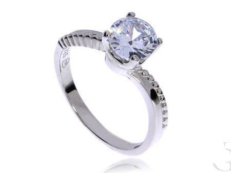 Efektowny pierścionek zaręczynowy ze srebra rodowanego pr.0,925 z cyrkoniami