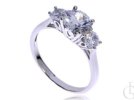 Delikatny pierścionek ze srebra pr.0,925 z cyrkoniami