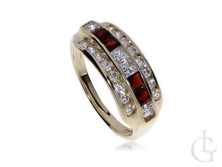 Złoty pierścionek z kamieniami Swarovskiego i granatami