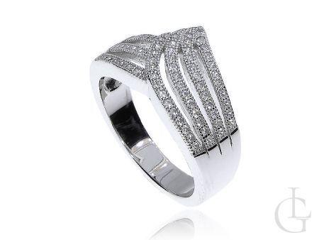 Ekskluzywny srebrny pierścionek wysadzany cyrkoniami