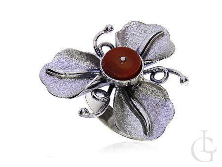 Srebrny pierścionek kwiat z koralem w kształcie kwiatu