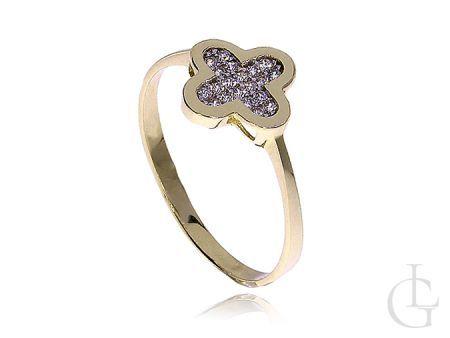 Zmysłowy złoty pierścionek zaręczynowy koniczynka