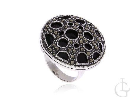 Srebrny duży pierścionek z onyksem