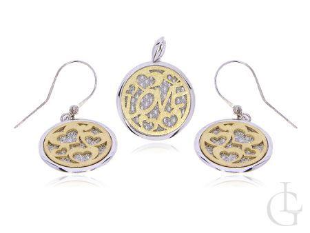 Komplet biżuterii srebrnej pozłacany kolczyki i wisiorek na  lańcuszek z napisem LOVE i serduszkami