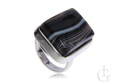 Duży pierścionek srebrny krzemień pasiasty srebro 0.925