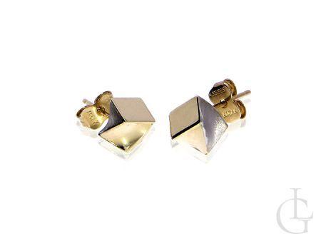 Złote kolczyki kostki na wkręty