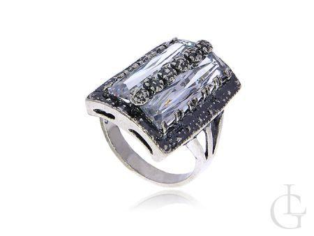 Duży srebrny pierścionek oksydowany