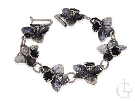 Bransoletka ze srebra rodowanego pr.0,925 z oksydą i motywem kwiatowym