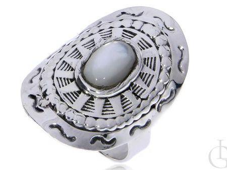 Szeroki pierścionek ze srebra pr.0,925 z masą perłową