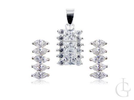 Srebrny komplet biżuterii wysadzany przepięknymi cyrkoniami