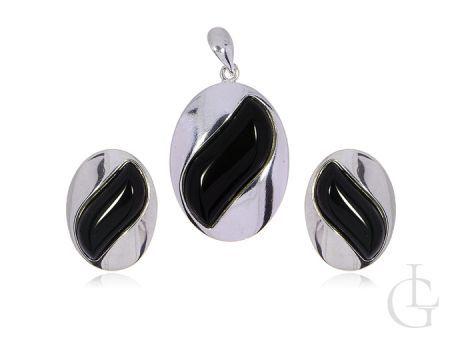 Komplet biżuterii ze srebra pr.0,925 kolczyki na sztyft i wisior z onyksem