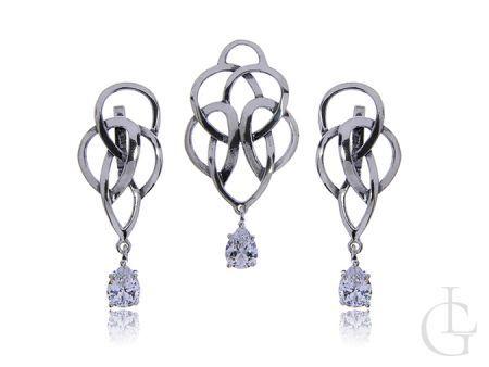 Komplet biżuterii damskiej ze srebra rodowanego pr.0,925 kolczyki angielskie zapięcia wisiorek