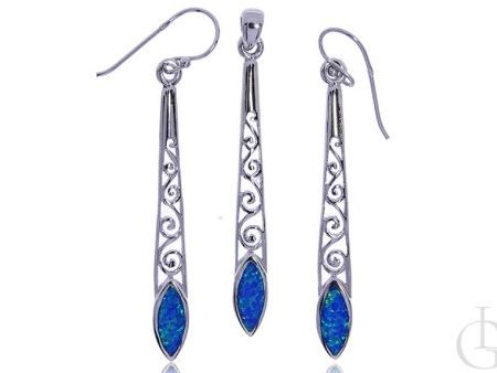 Długie kolczyki zawieszka ze srebra rodowanego pr.0,925 z opalem błękitnym