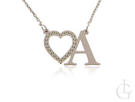 Złota celebrytka pr.0,585 naszyjnik łańcuszek z literką A i seerduszkiem