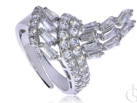 Okazały pierścionek ze srebra rodowanego pr.0,925 z cyrkoniami