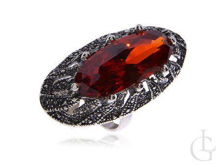 Piękny pierścionek ze srebra pr.0,925 z cudowną cyrkonią i markazytami