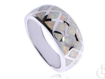 Cudowny pierścionek z opalem tęczowym srebro rodowane pr.0,925