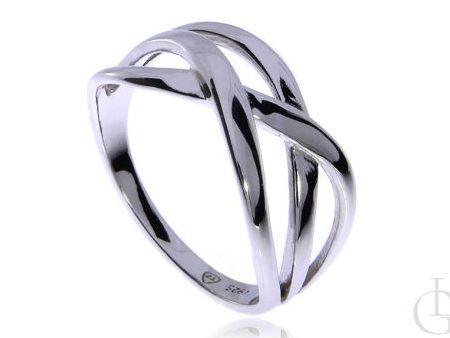 Ciekawy pierścionek srebro rodowane pr.0,925