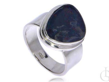 Pierścionek ze srebra rodowanego pr.0,925 z opalem naturalnym