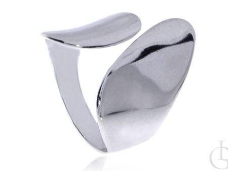Okazały pierścionek o ciekawym wzorze srebro pr.0,925