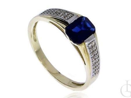 Cudowny pierścionek zaręczynowy z klasycznego złota pr.0,585 z szafirem syntetycznym i cyrkoniami