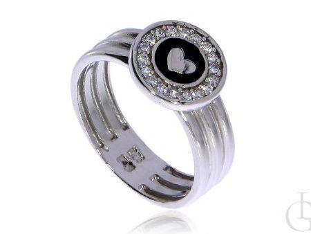 Delikatny pierścionek ze srebra rodowanego pr.0,925 z cyrkoniami i serduszkiem