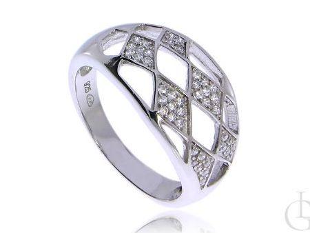 Ażurowy pierścionek z cyrkoniami romby srebro pr.0,925