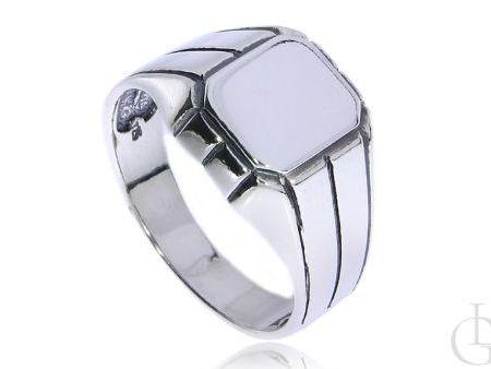 Męski pierścionek sygnet ze srebra pr.0,925 do graweru
