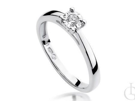Pierścionek zaręczynowy z diamentem z białego złota