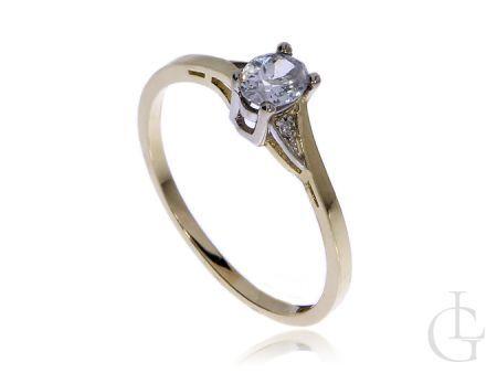 Złoty pierścionek zaręczynowy z cyrkonią