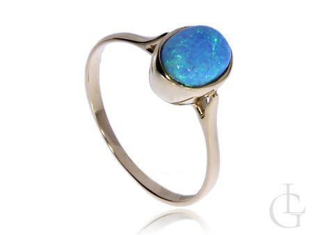 Złoty pierścionek pr.0,585 z opalem naturalnym